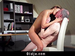 Hot Teen Fucking Old Man Pussy Fuck And Blowjob Cum Swallow 6 min